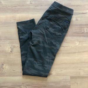 Sanctuary faux back pocket camo leggings